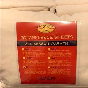 Off white fleece sheets for full NWT